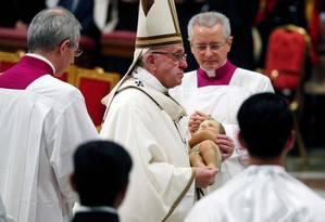 Papa durante a tradicional Missa do Galo Foto: MAX ROSSI / REUTERS
