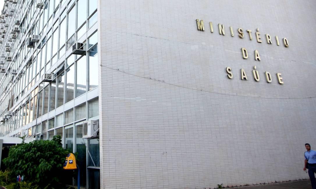 Fachada do edifício-sede do Ministério da Saúde, em Brasília Foto: Aílton de Freitas / O Globo