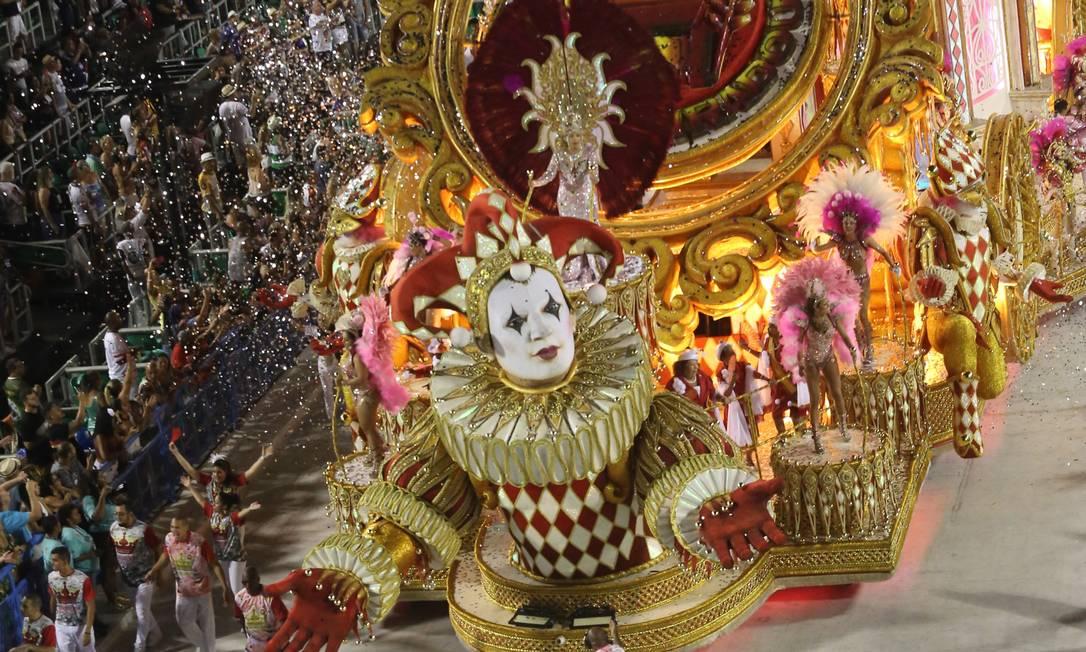 Desfile da Viradouro, campeã da Série A em 2018 Foto: Diego Mendes / Agência O Globo