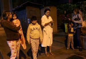 Venezuelanos saíram de casa nesta madrugada após tremores Foto: STRINGER / REUTERS