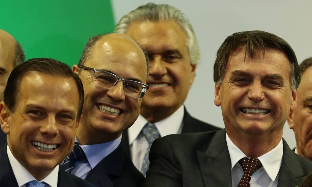 O presidente eleito, Jair Bolsonaro encontra-se com governadores durante o Fórum, no CICB. Na foto, João Dória (SP), Wilson Witzel (RJ), Ronaldo Caiado (GO) Foto: Jorge William / Agência O Globo