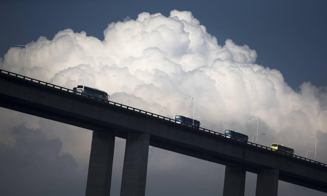 Ensaio sobre a ponte Rio-Niterói. Foto: Márcia Foletto / Agência O Globo