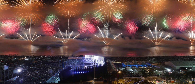 Copacabana festeja a chegada de 2018 Foto: Márcio Alves / Agência O Globo