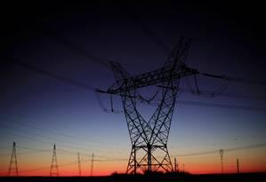 Linha de transmissão de energia elétrica em Brasília Foto: Ueslei Marcelino / Reuters