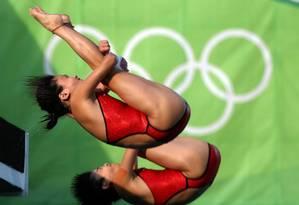 Atletas chinesas em competição de salto ornamental nas Olimpíadas do Rio, em 2016 Foto: Marcelo Carnaval / Agência O Globo