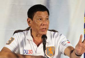 O presidente filipino Rodrigo Duterte em uma coletiva de imprensa em 2016: após enxurrada de críticas, porta-voz disse que ele 'inventou' e 'exagerou' a história Foto: Reuters/LEAN DAVAL JR/21-08-2016
