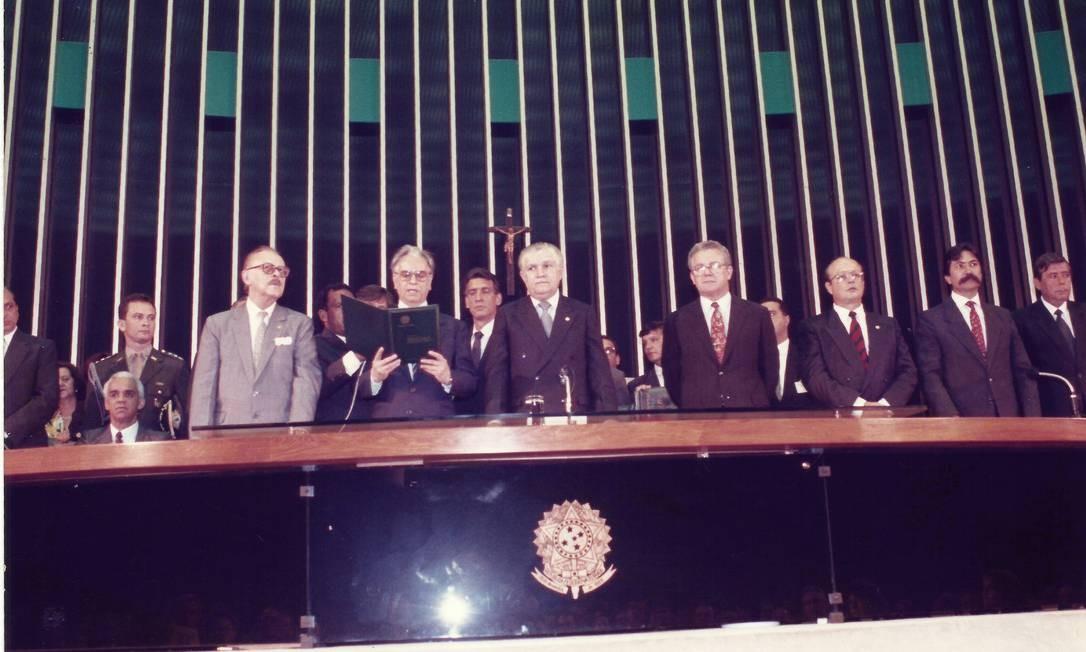 No Congresso, Itamar fez juramento de seguir a Constituição 29/ 12/ 92 Foto: Acervo Memorial Itamar Franco