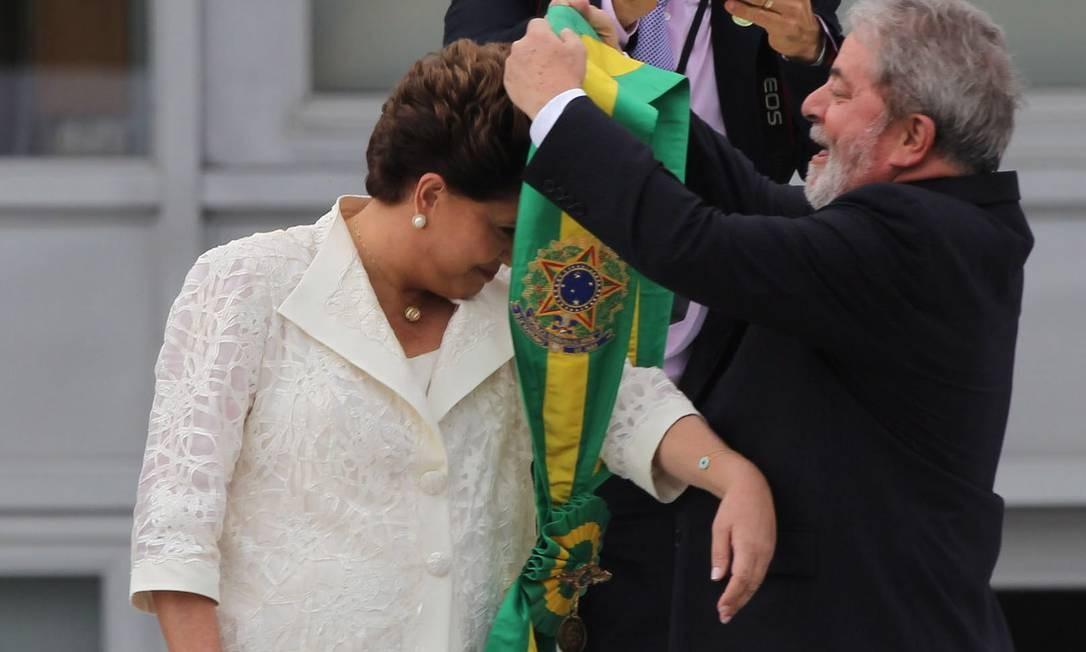 Em 2011, Lula passou o cargo para a sua ministra da Casa Civil, Dilma Rousseff 01/01/2011 Foto: André Coelho / Agência O Globo