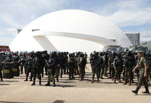 Preparativos na Esplanada dos Ministérios para a posse do presidente eleito Jair Bolsonaro Foto: Jorge William/Agência O Globo/30-12-2018