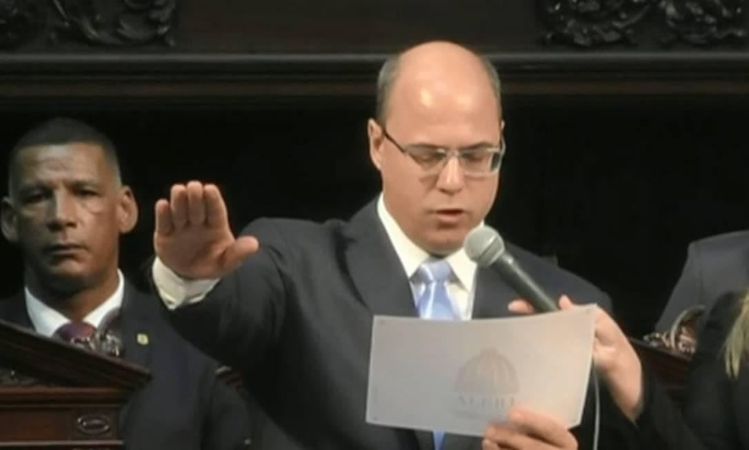Wilson Witzel presta juramento como governador do Rio na cerimônia de posse na Alerj Foto: Reprodução/TV Globo