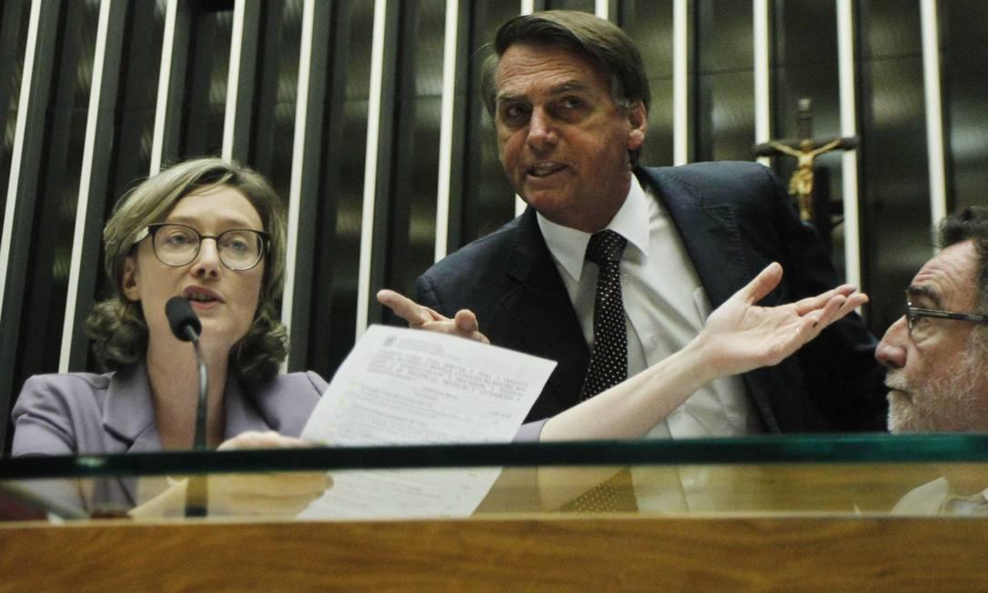 """Em 2014, Bolsonaro disse à deputada Maria do Rosário que ela não merecia ser estuprada porque ele a considerava """"muito feia"""". Foto: Givaldo Barbosa / Agência O Globo"""
