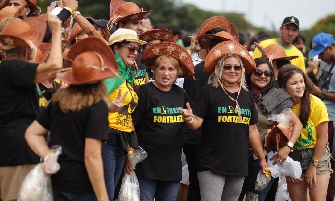 Grupo de cearenses prestigia a posse de Bolsonaro em Brasília Foto: Jorge William / Jorge William
