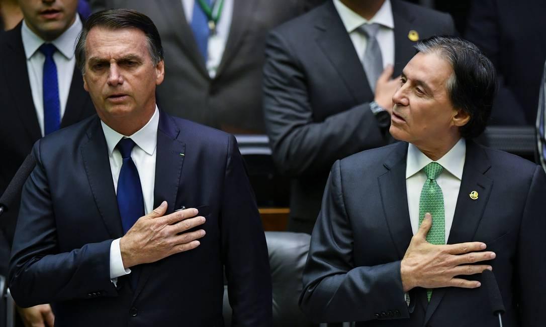 O presidente Jair Bolsonaro e o presidente do Congresso, Eunício Oliveira Foto: Nelson Almeida/AFP