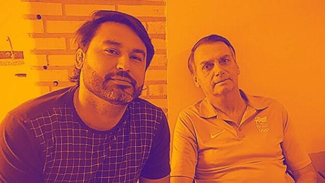 Leonardo Rodrigues de Jesus, ao lado de Jair Bolsonaro Foto: Agência O Globo