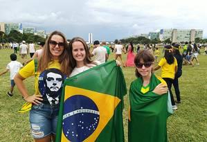 A empresária Cláudia Lúcia Carvalho, que saiu de Niterói para ver a posse Foto: Marcello Corrêa/Agência O Globo