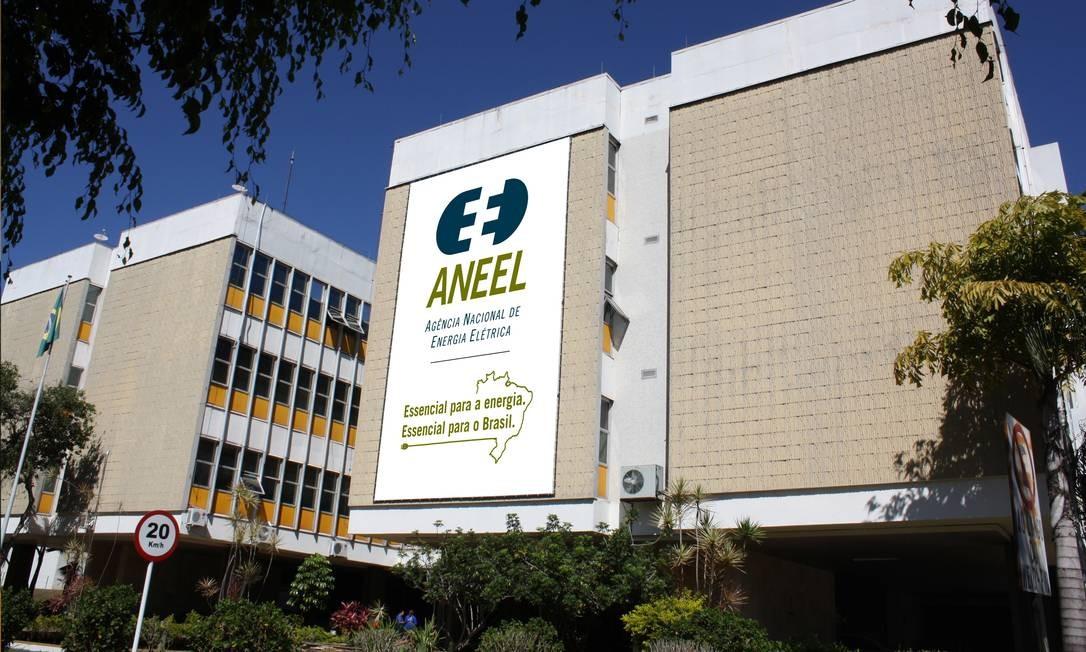 A Agência Nacional de Energia Elétrica (Aneel), que deverá abrir mão da proposta de reduzir incentivos para quem produz energia por meio de painéis solares Foto: Agência O Globo