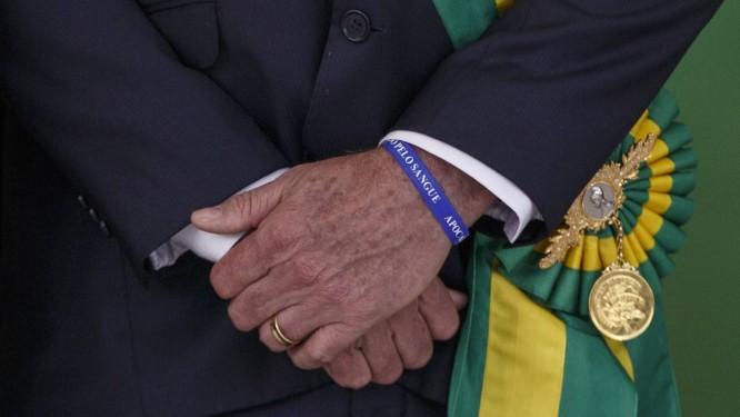 Detalhe de pulseira do presidente Jair Bolsonaro. Foto: Daniel Marenco / Agência O Globo