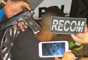 Policiais miliares foram acionados e prenderam o suspeito Foto: Reprodução/Redes sociais