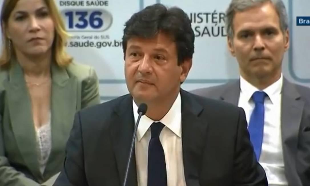 O ministro da Saúde, Luiz Henrique Mandetta, durante cerimônia de transmissão de cargo Foto: Reprodução/Facebook