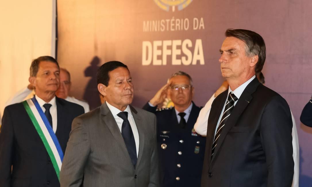 Presidente da República, Jair Bolsonaro, durante a execução do hino nacional Brasileiro Foto: Marcos Correa / PR