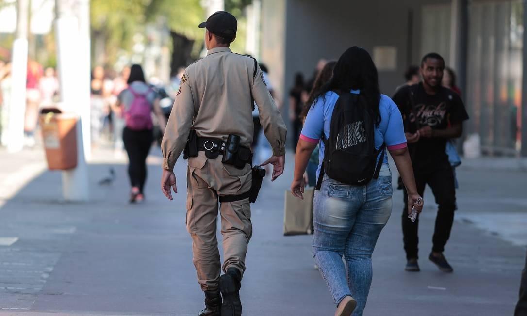 Witzel quer estreitar conversas com Crivella para área da segurança Foto: Brenno Carvalho / Agência O Globo