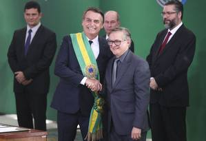 O presidente Jair Bolsonaro e o ministro da Educação, Ricardo Vélez Foto: Valter Campanato/Agência Brasil
