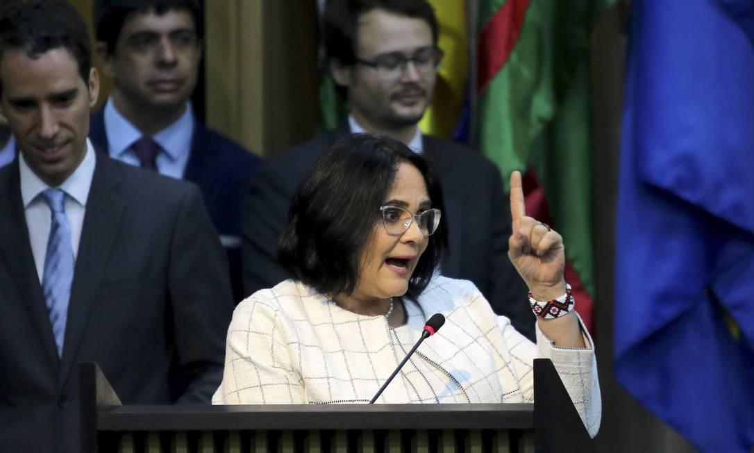 A nova ministra da Mulher, Família e Direitos Humanos, Damares Alves, discursa na solenidade de posse: 'terrivelmente cristã' Foto: / Wilson Dias/Agência Brasil