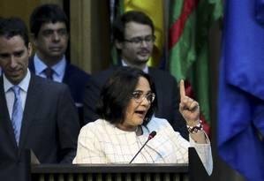 A nova ministra da Mulher, Família e Direitos Humanos, Damares Alves, discursa na solenidade de posse: 'terrivelmente cristã' Foto: Wilson Dias/Agência Brasil
