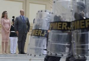 """Witzel durante a cerimônia de transmissão de cargo realizada no Palácio Guanabara: """"Aquele que pega em armas e chama para si a guerra, a guerra deve ter"""" Foto: Domingos Peixoto / Agência O Globo"""