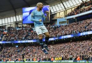 David Silva comemora gol pelo City: espanhol está no clube há nove anos Foto: PAUL ELLIS / AFP