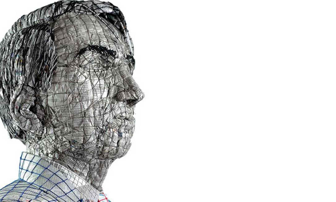 Escultura de Bolsonaro feita com jornal e fios de lã Foto: Marcelo Tomaz Galvão de Castro