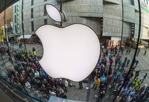 Apple: ações em queda na Bolsa de Nova York Foto: PETER KNEFFEL / AFP
