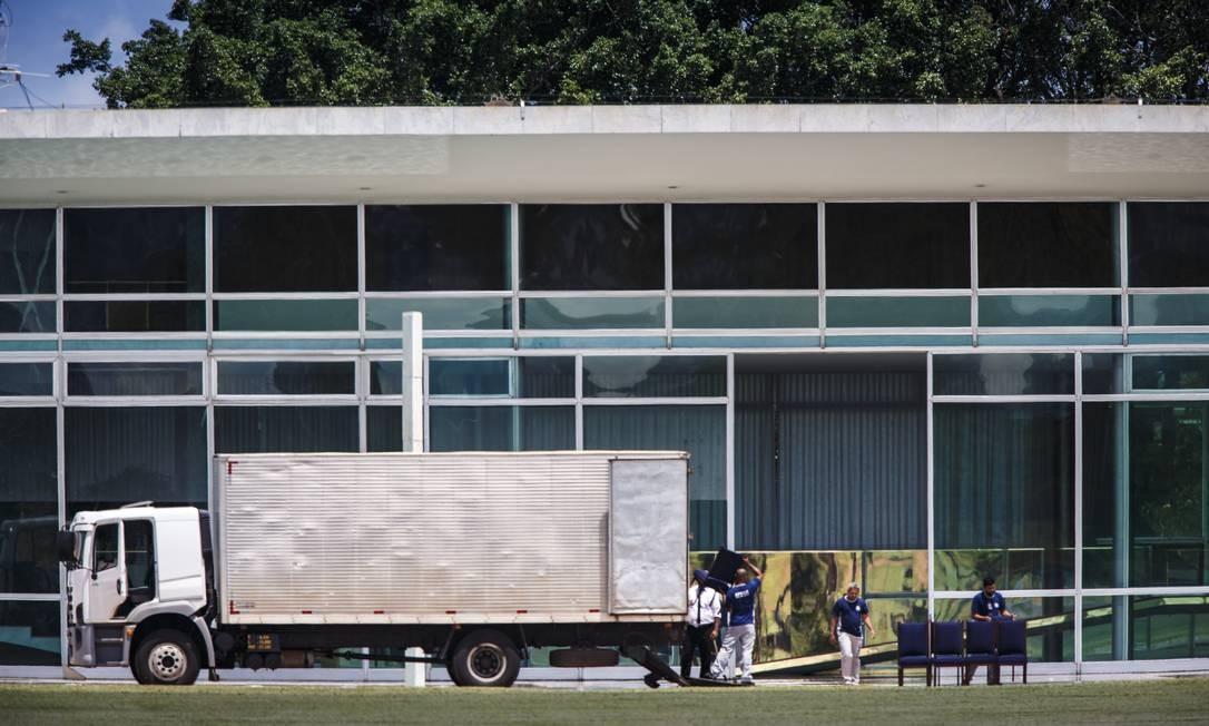 Na residência oficial vão morar também a primeira-dama Michelle Bolsonaro, a filha Laura, de 7 anos, e a enteada Letícia, de 19 anos Foto: Daniel Marenco / Agência O Globo