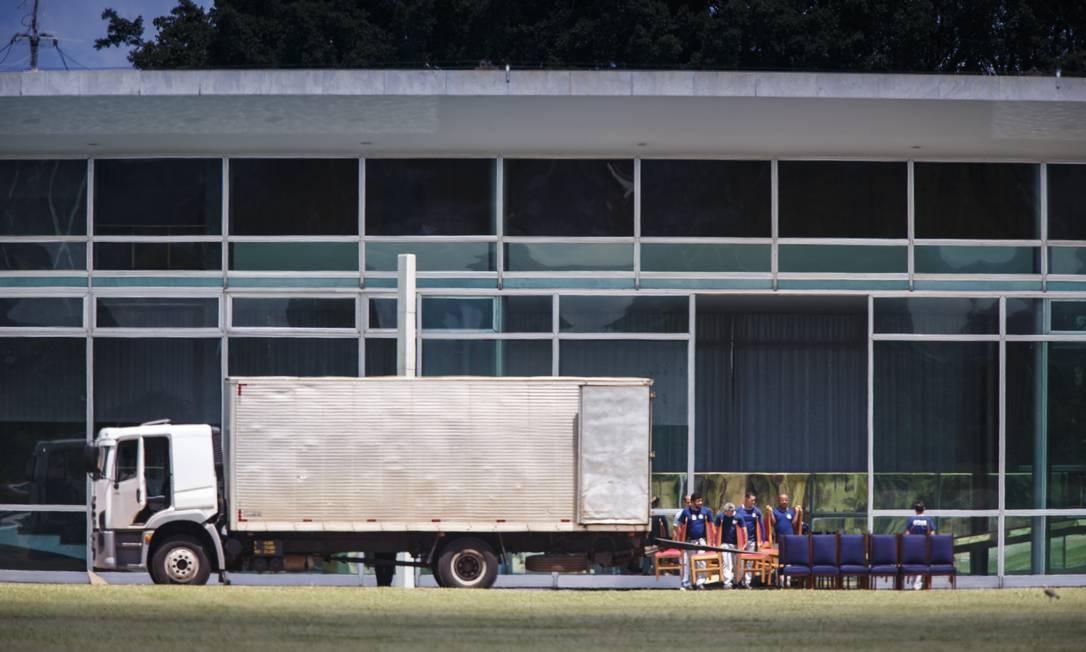 O presidente se muda nesta quinta-feira para o Palácio da Alvorada com a família Foto: Daniel Marenco / Agência O Globo