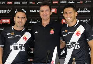 Bruno César (à esquerda) e Danilo Barcelos vestiram a camisa do Vasco Foto: Carlos Gregório Jr./Vasco