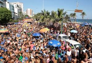 Desfile do Simpatia é Quase Amor na orla de Ipanema em 2018 Foto: Brenno Carvalho / Agência O Globo
