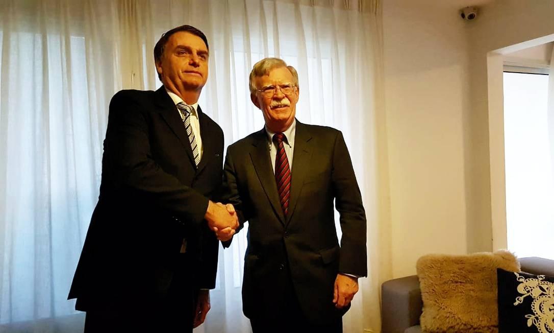 Jair Bolsonaro, em encontro com conselheiro de Segurança Nacional dos EUA, John Bolton Foto: Agência O Globo