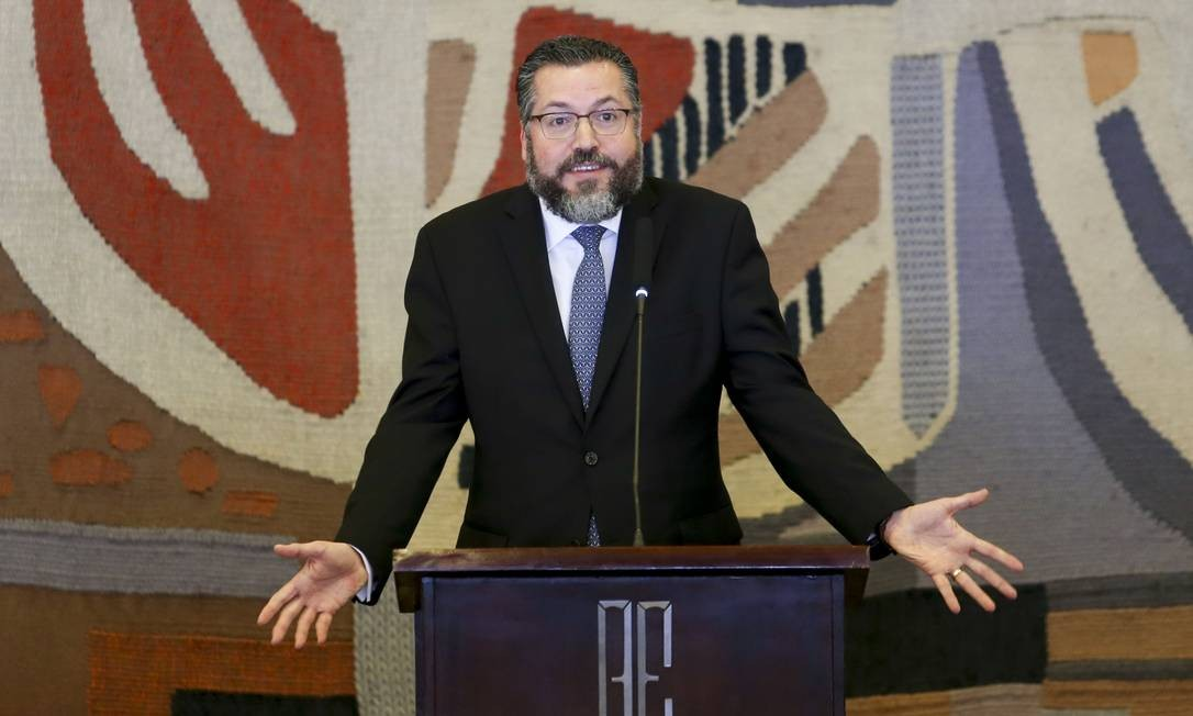 """Ernesto Araújo faz seu discurso de posse, no qual disse que o Brasil """"está perdido fora de si mesmo"""" Foto: Fabio Rodrigues Pozzebom/2-12-2018 / Agência Brasil"""