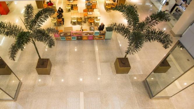 82206e4f642 Shoppings oferecem descontos de até 70% para liquidar estoque ...