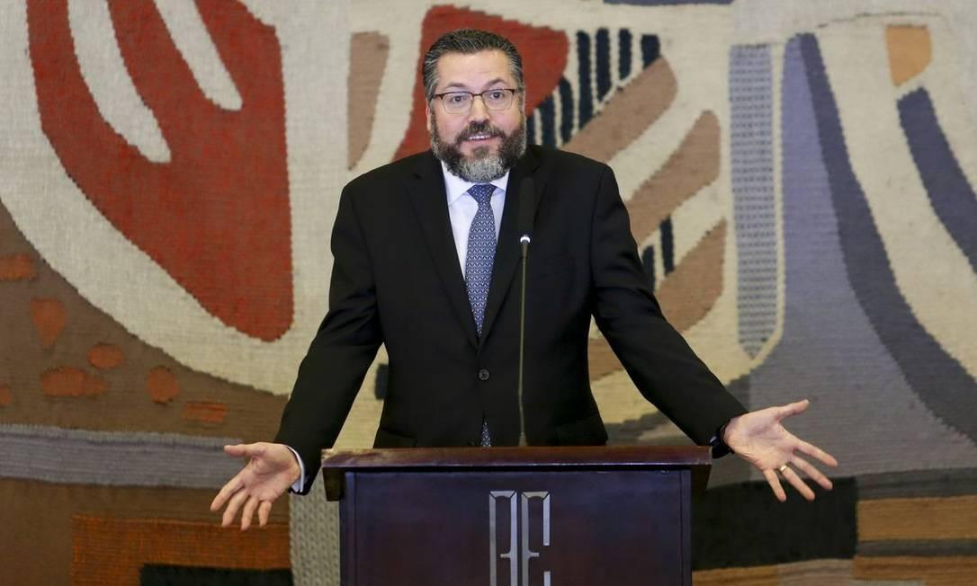 Ernesto Araújo discursa ao ser empossado ministro das Relações Exteriores Foto: Fabio Rodrigues Pozzebom / Agência Brasil