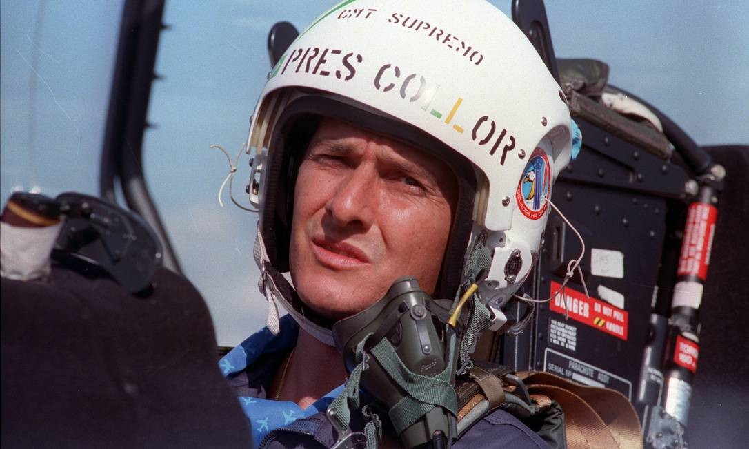 Fernando Collor e o hábito de pilotar caças Foto: Claudine Petroli / /8-8-1990