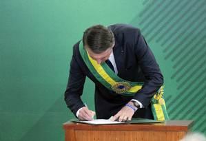 O presidente Jair Bolsonaro durante posse da equipe ministerial no Palácio do Planalto Foto: Roque de Sá / Agência Senado
