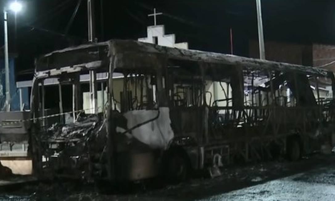 Ônibus são queimados no Ceará em onda de ataques de criminosos Foto: Reprodução
