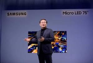 JH Han, presidente de Telas da Samsung Electronics: objetivo é que a TV seja o centro da inteligência artificial e que controle todos os produtos Foto: Bruno Rosa