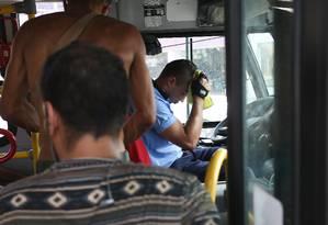 Em Campo Grande, ônibus até têm ar-condicionado, mas muitos aparelhos não funcionam. Foto: Pedro Teixeira