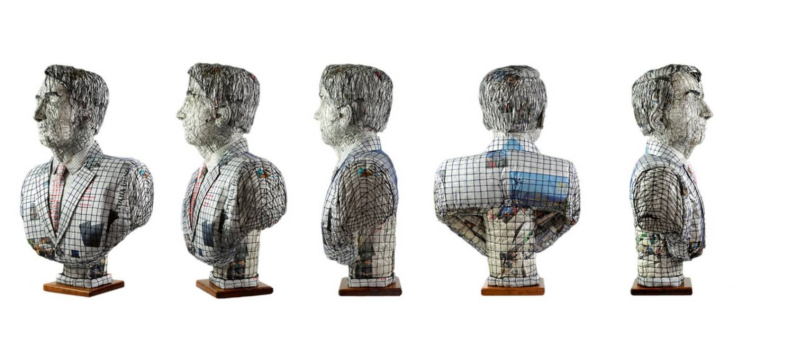 O busto de Jair Bolsonaro foi feito com pedaços amassados e comprimidos de jornal, unidos por fios de lã, técnica desenvolvida por Marcelo de Castro, e tem 1,10 metro de altura e cerca de 20 quilos Foto: Marcelo Tomaz Galvão de Castro