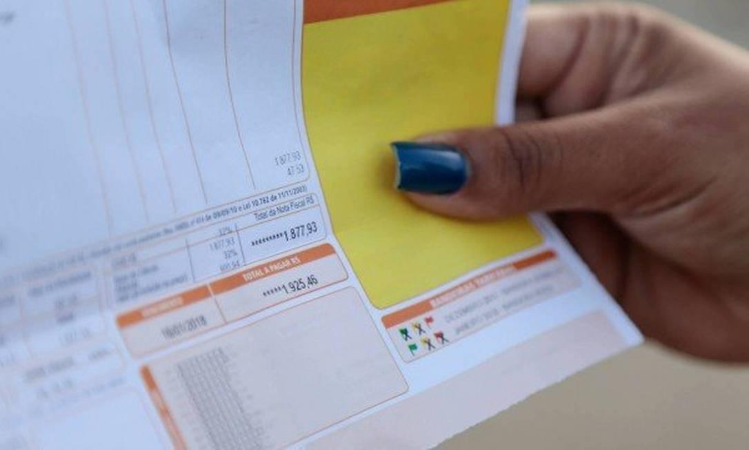 Residências e pequenos comércios que consomem até 250 kw/h por mês podem aderir à tarifa branca Foto: Agência O Globo