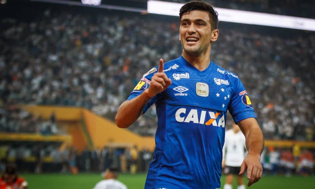 a0cc9ef9e0c19 Arrascaeta conquistou o bicampeonato da Copa do Brasil com o Cruzeiro Foto   Vinnicius Silva