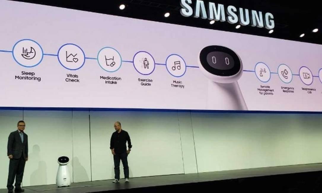 A Samsung Electronics, que está apresentando na feiras algumas de suas novas soluções, apresenta o Bot Care, que utiliza robótica e inteligência artificial. Foto: Bruno Rosa