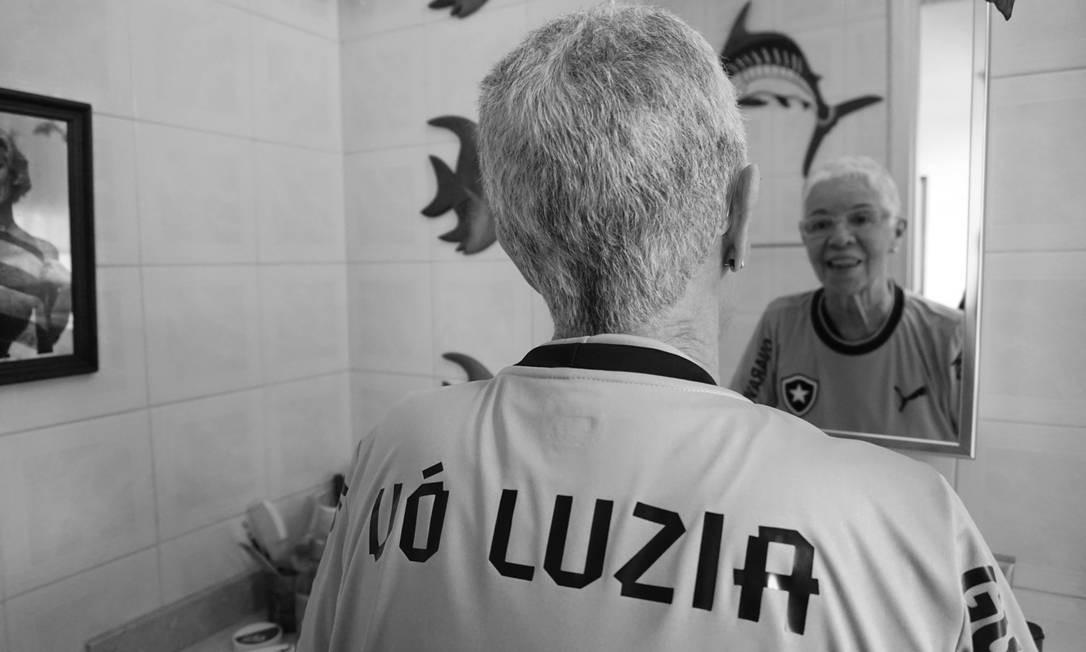 Na camisa para ir ao estádio, o nome da famosa torcedora Fotos: Luiza Moraes Foto: Luiza Moraes / Agência O Globo
